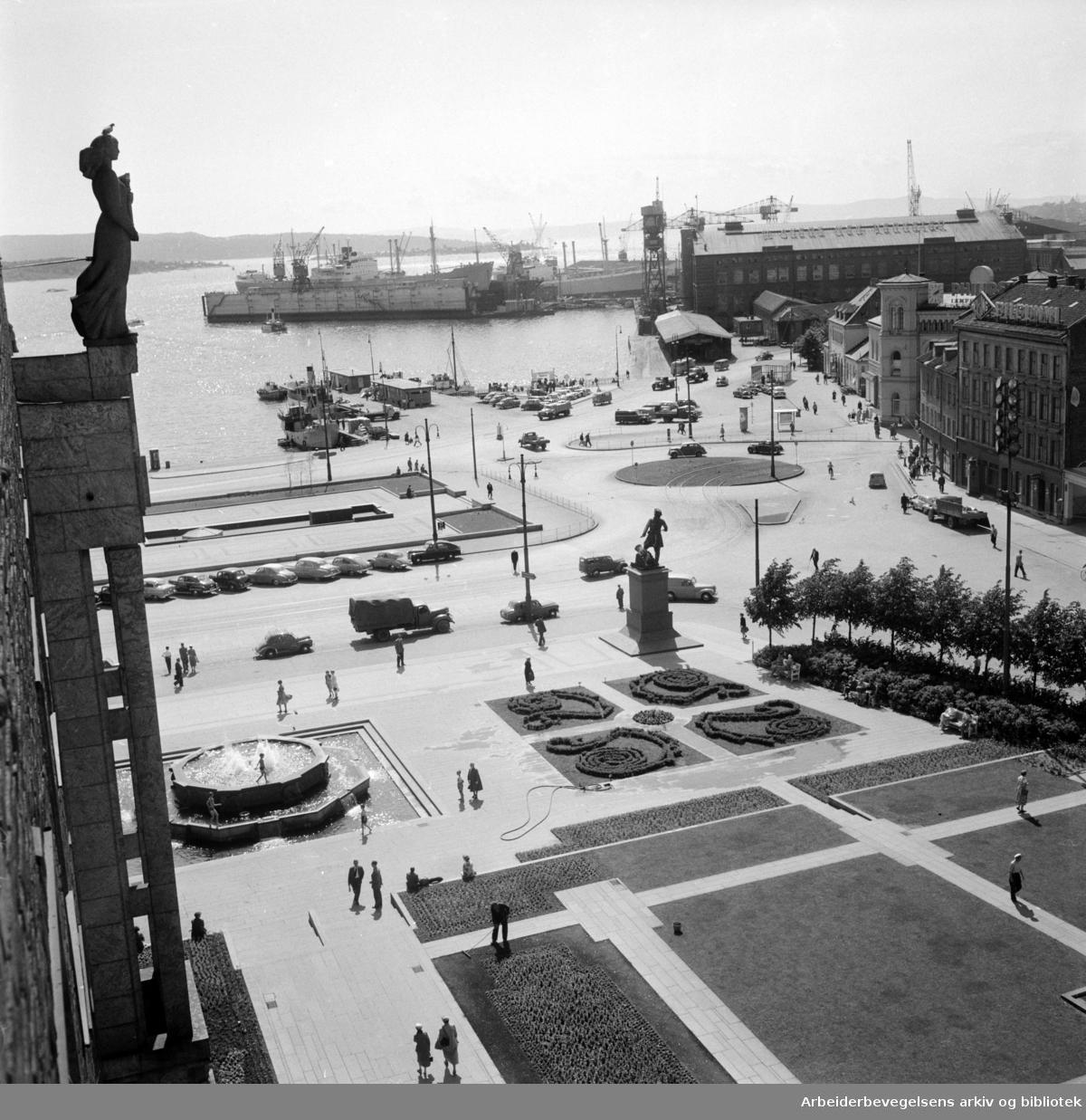 Rådhuset: Parkanlegget på Solplassen. Mai 1950