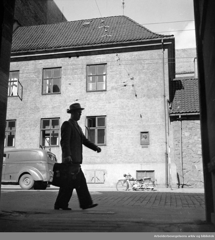 Rådhusgata 7. Politistasjonen. August 1949