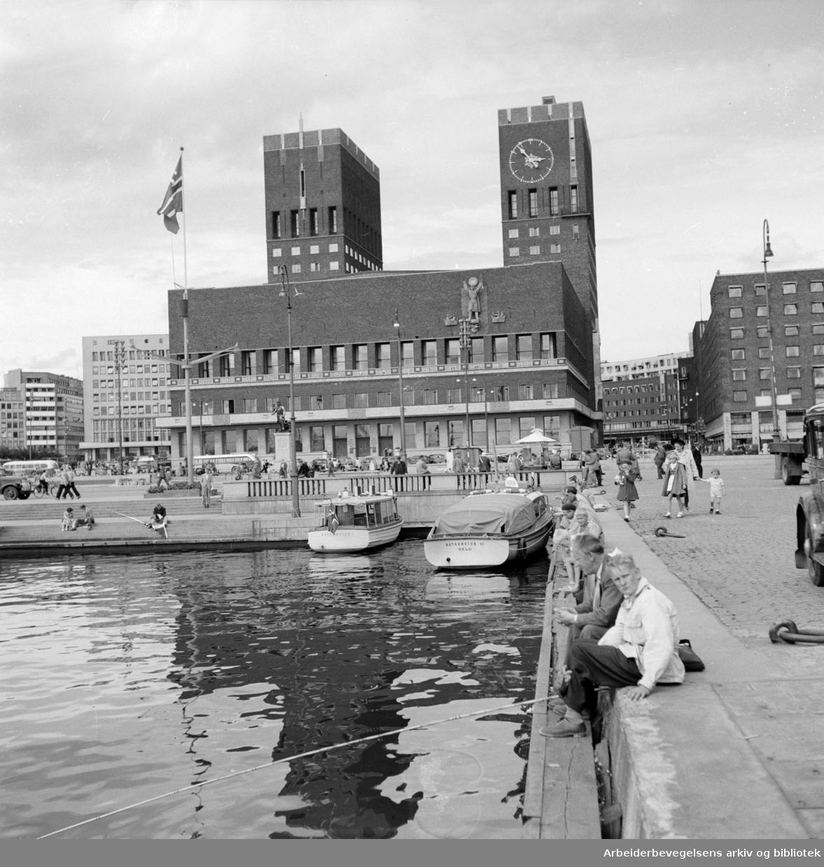 Rådhuset, eksteriør. 1950