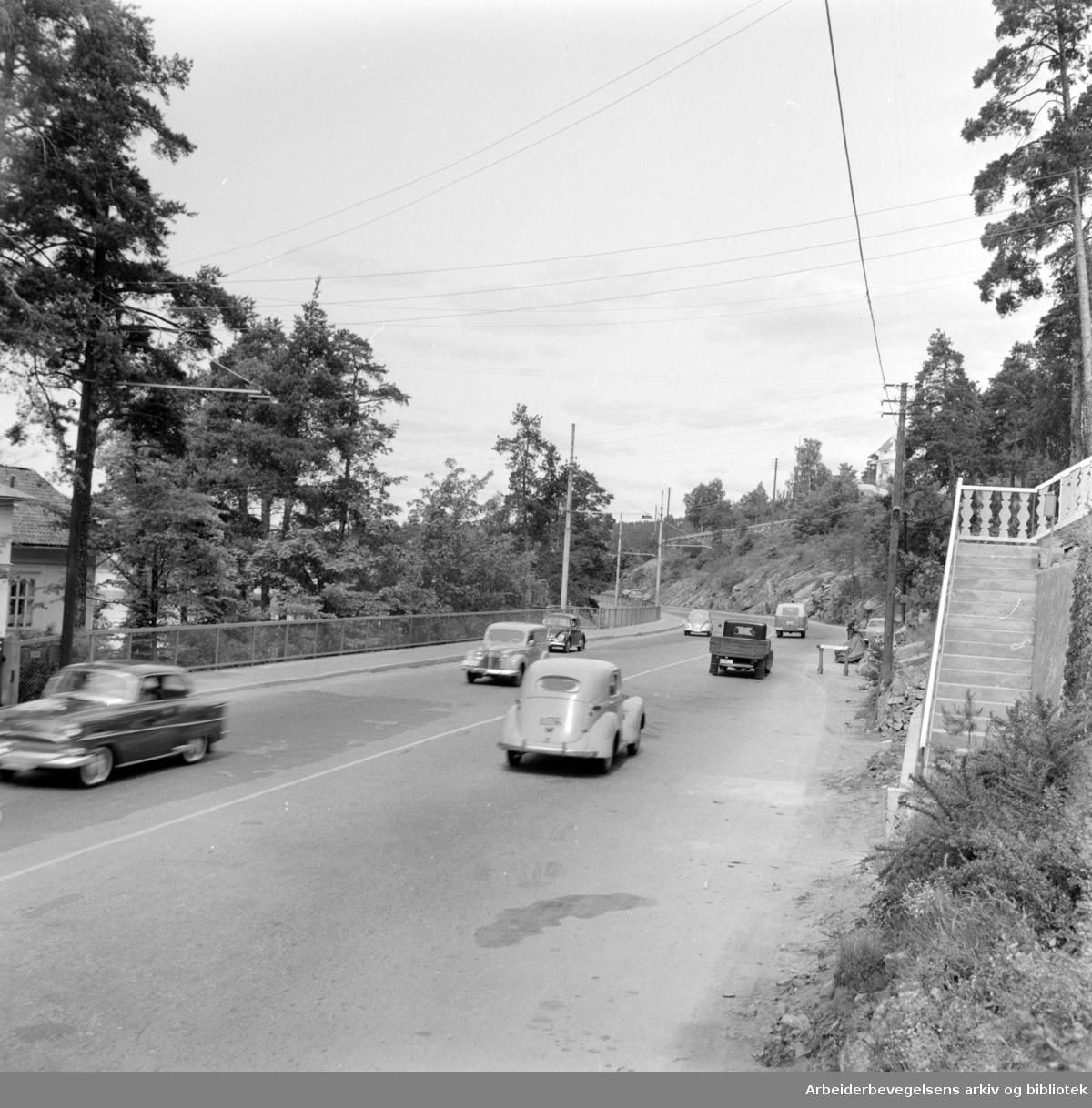 Mosseveien ved Katten. Biltrafikken. Juni 1959