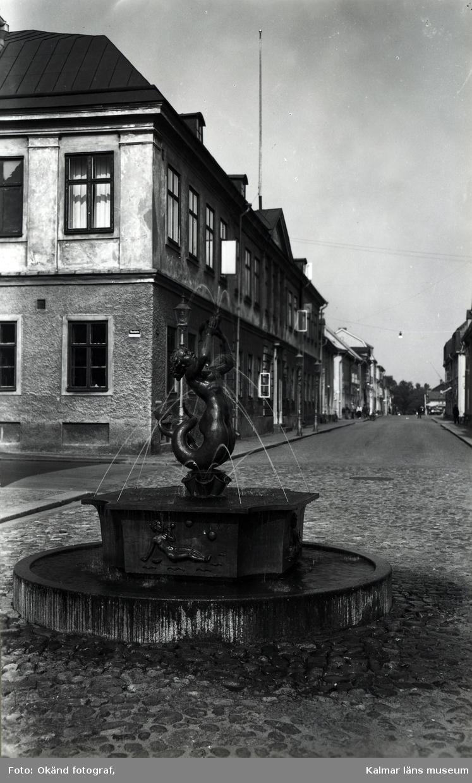 Lilla Torget med residenset och fontänen.