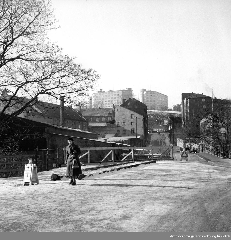 Grünerbrua (Fossveien). Februar 1952