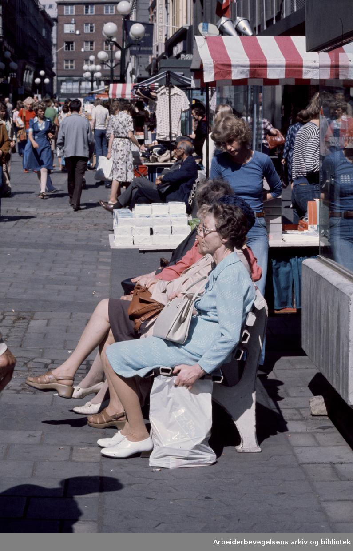 Gågater. Nedre Slottsgate. Juli 1976