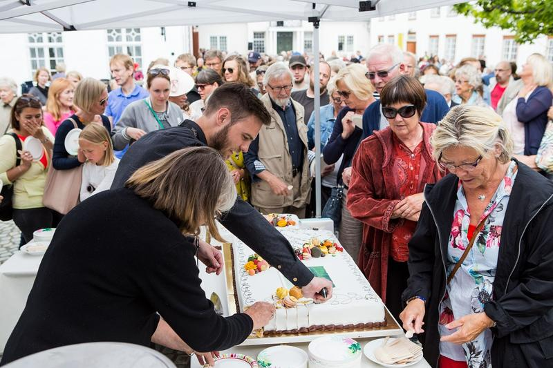 Kake til alle! Foto: Jan Ove Iversen