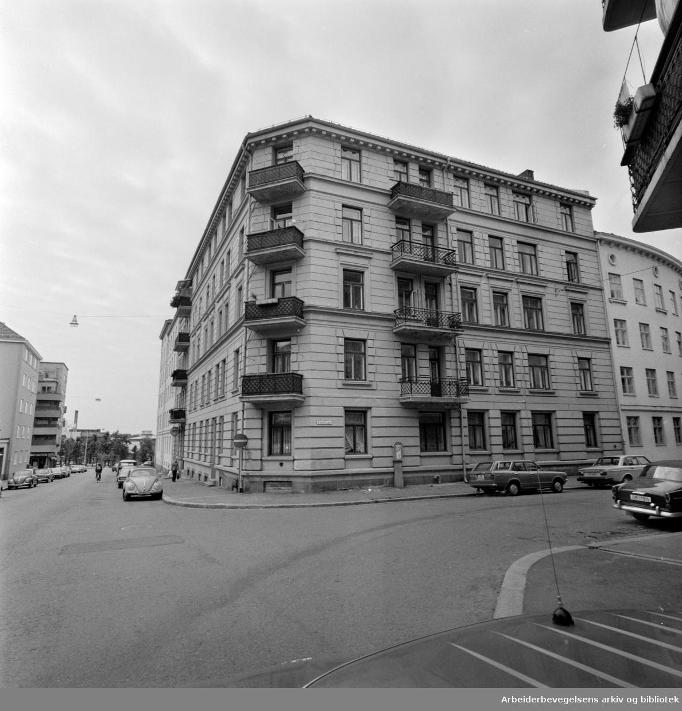 Colletts gate (mot Iladalen). Colletts gate 9. September 1976