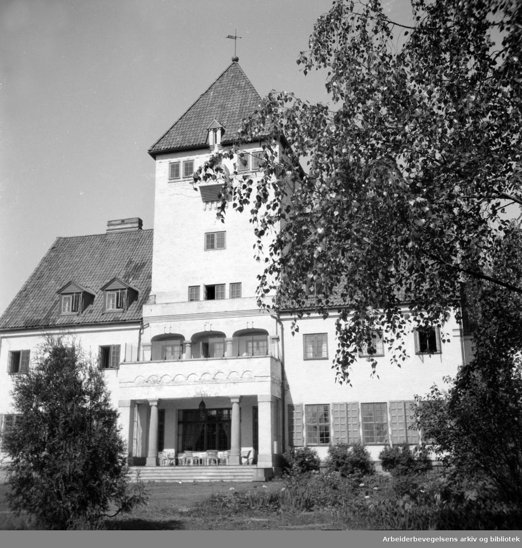 Bygdøy. Gimle pleiehjem. (Quislings bolig under krigen 1940 - 1945). Mai 1947