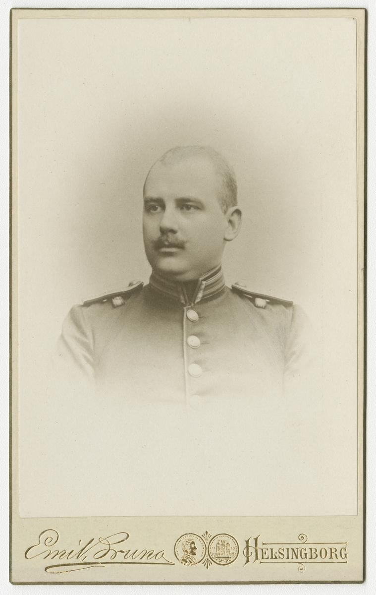 Porträtt av Carl Ekstrand, löjtnant vid Norra skånska infanteriregementet I 24.
