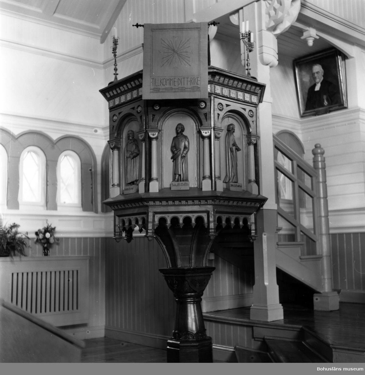 """Text till bilden: """"Hälleviksstrand kapell. Predikstolen""""."""
