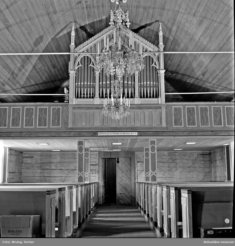 """Text till bilden: """"Mo kyrka. Västläktaren""""."""