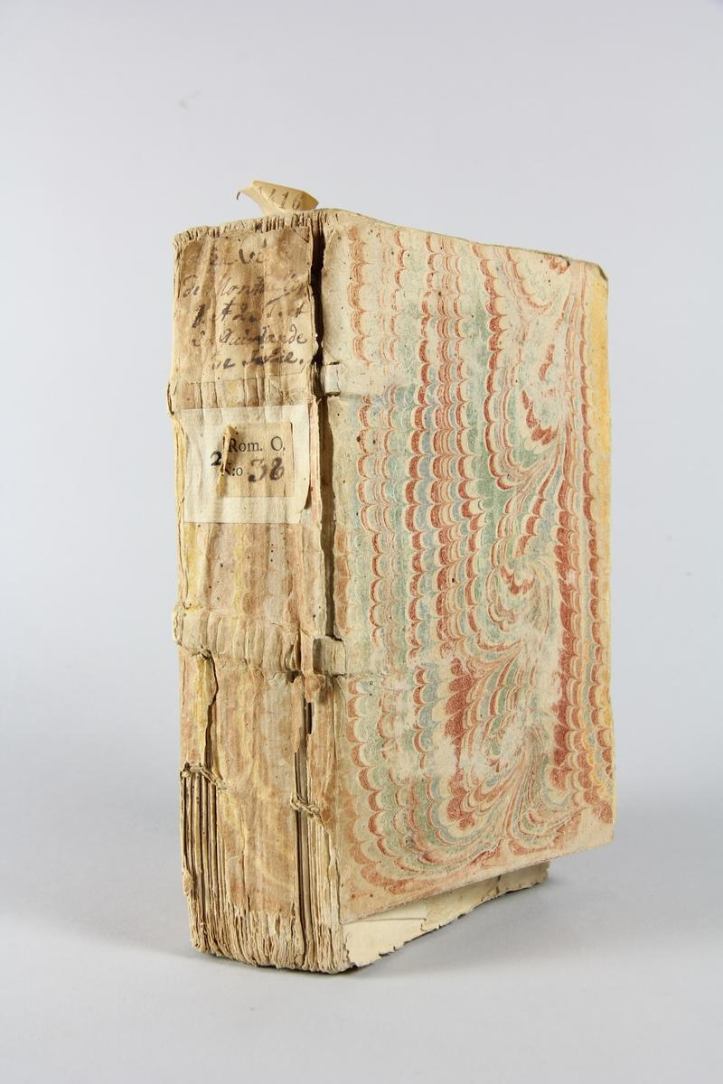 """Bok, häftad, """"La vie de monsieur le duc de Montausier"""", del 1-2, tryckt 1729 i Paris. Pärmar av marmorerat papper, blekt rygg med etiketter med bokens titel, svårläst, och samlingsnummer. Oskuret snitt. Anteckning om inköp på pärmens insida."""