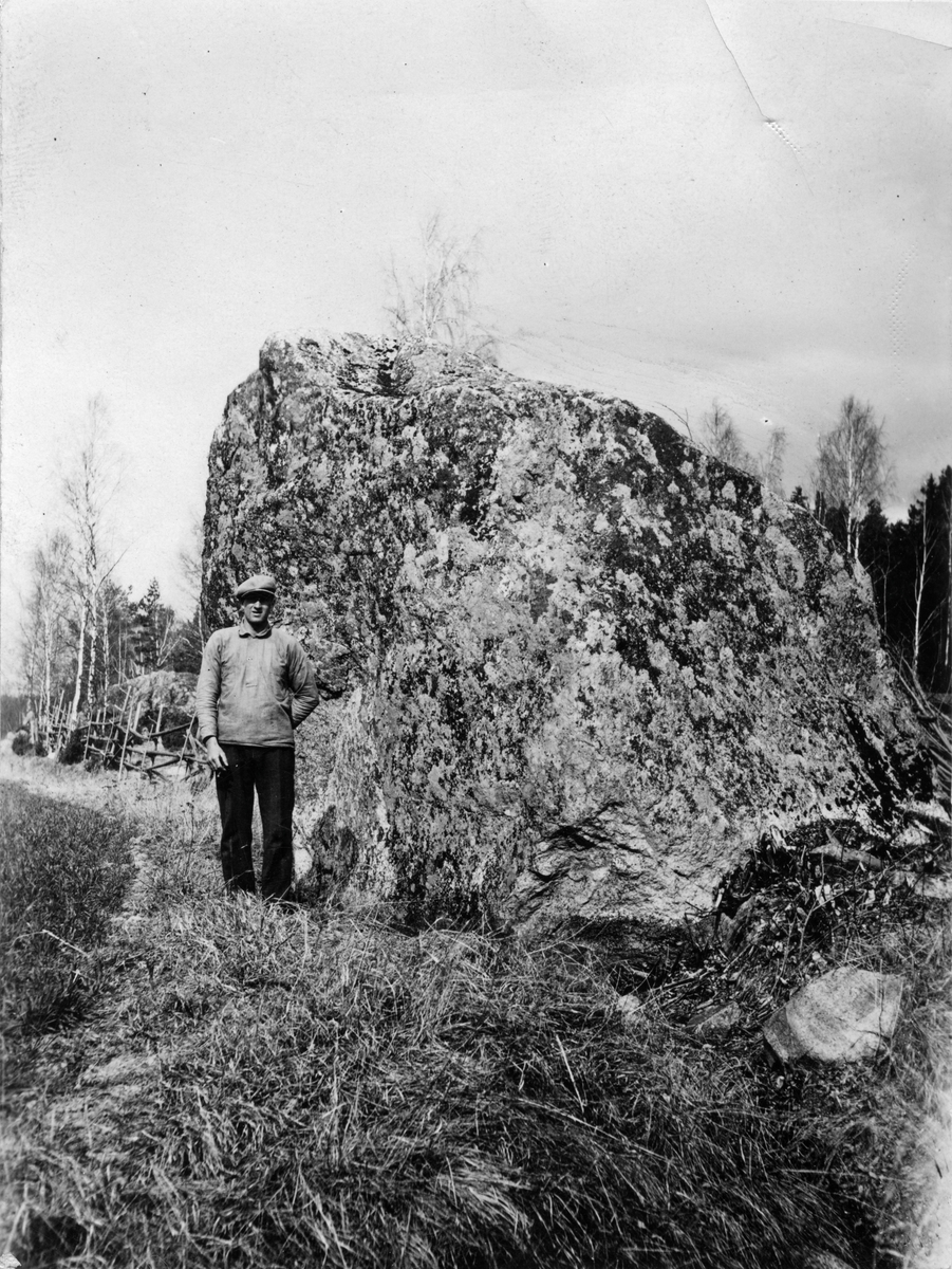 Jättekast, Skästa (Malma sn) 1933. Fotograf: K.J. Österberg.;