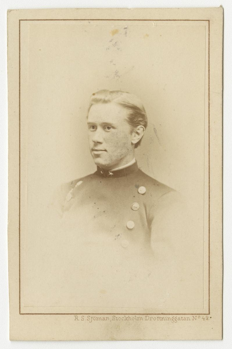 Porträtt av friherre Carl Georg Pfeiff, underlöjtnant vid Västgöta regemente I 6.  Se även bild AMA.0002163 och AMA.0021859.
