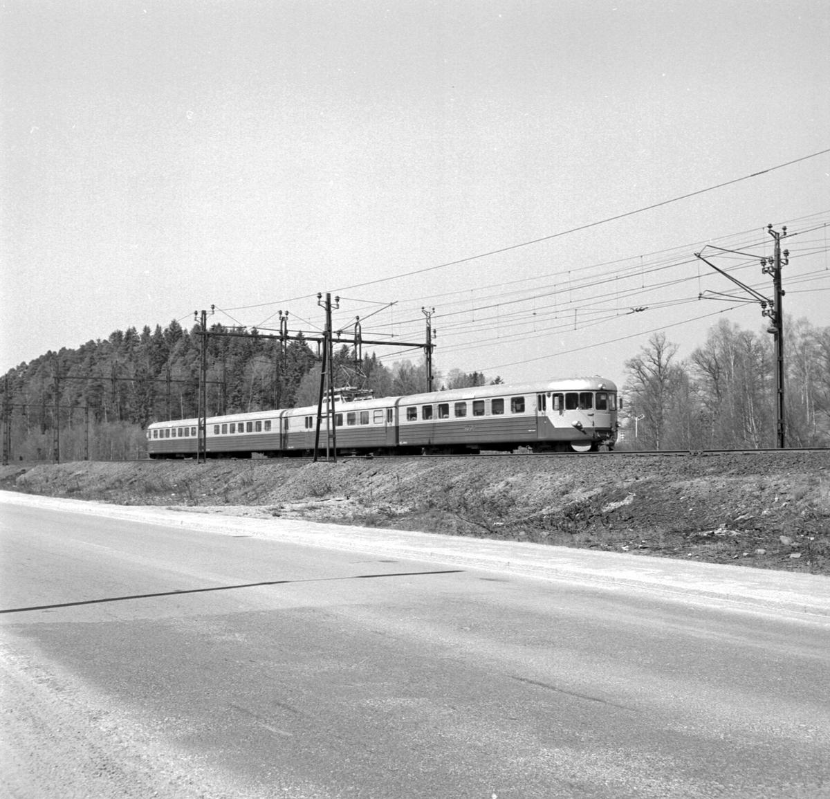 Trafikaktiebolaget Grängesberg–Oxelösunds Järnvägar, TGOJ X20, TGOJ-expressen.