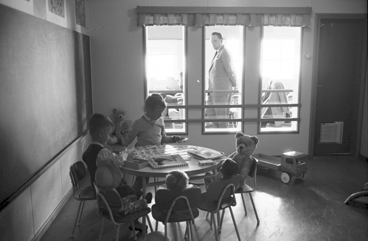 Ålandsresa. M/S Nordia. Barn i lekrum