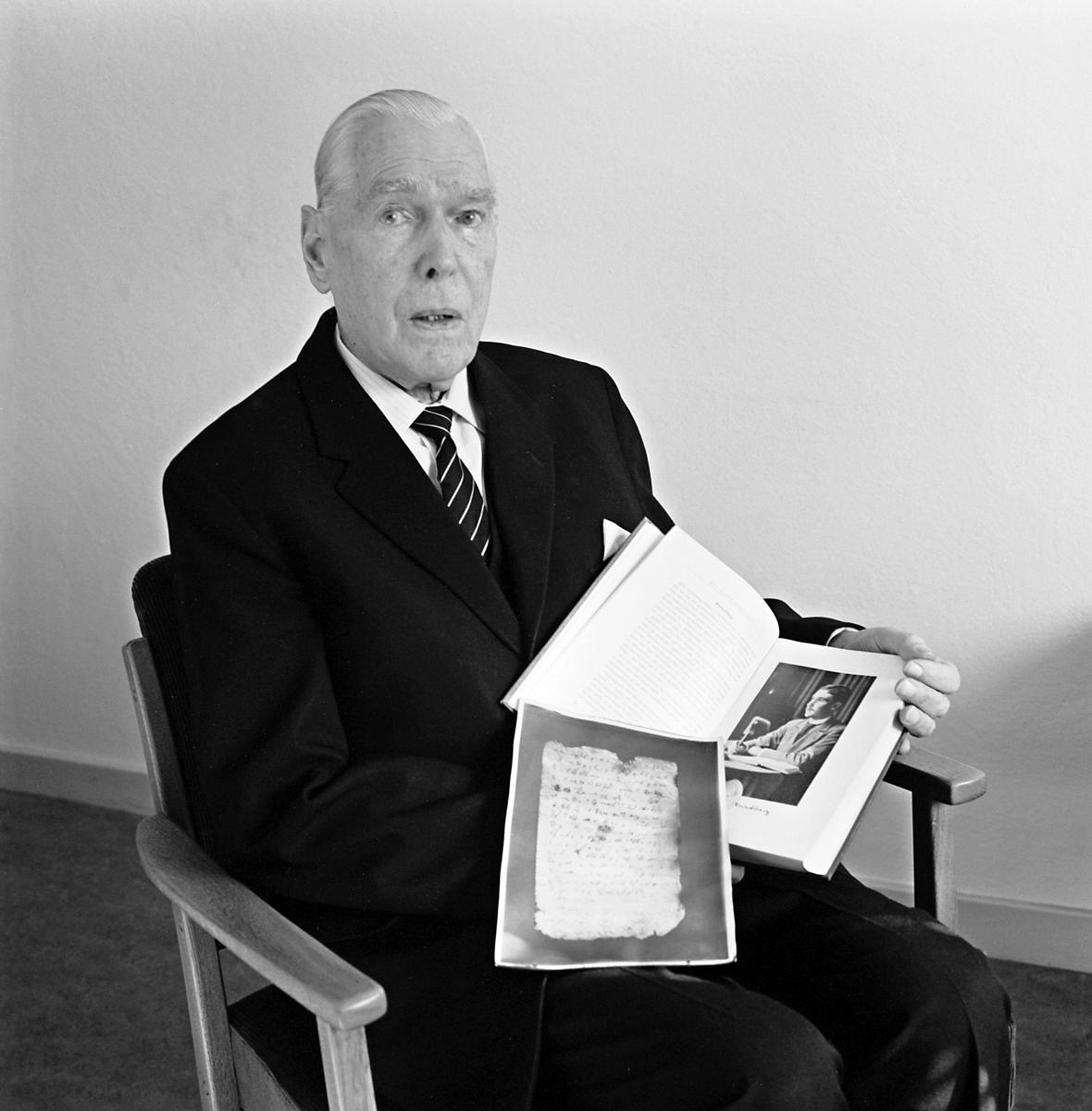 Olof Lindborg, före detta Byrådirektör (Brd)