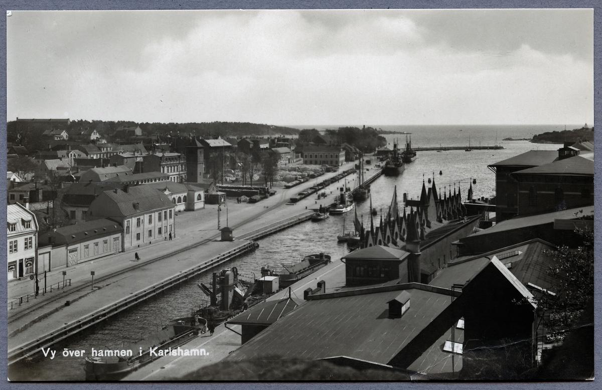 Vy över Karlshamn hamn.