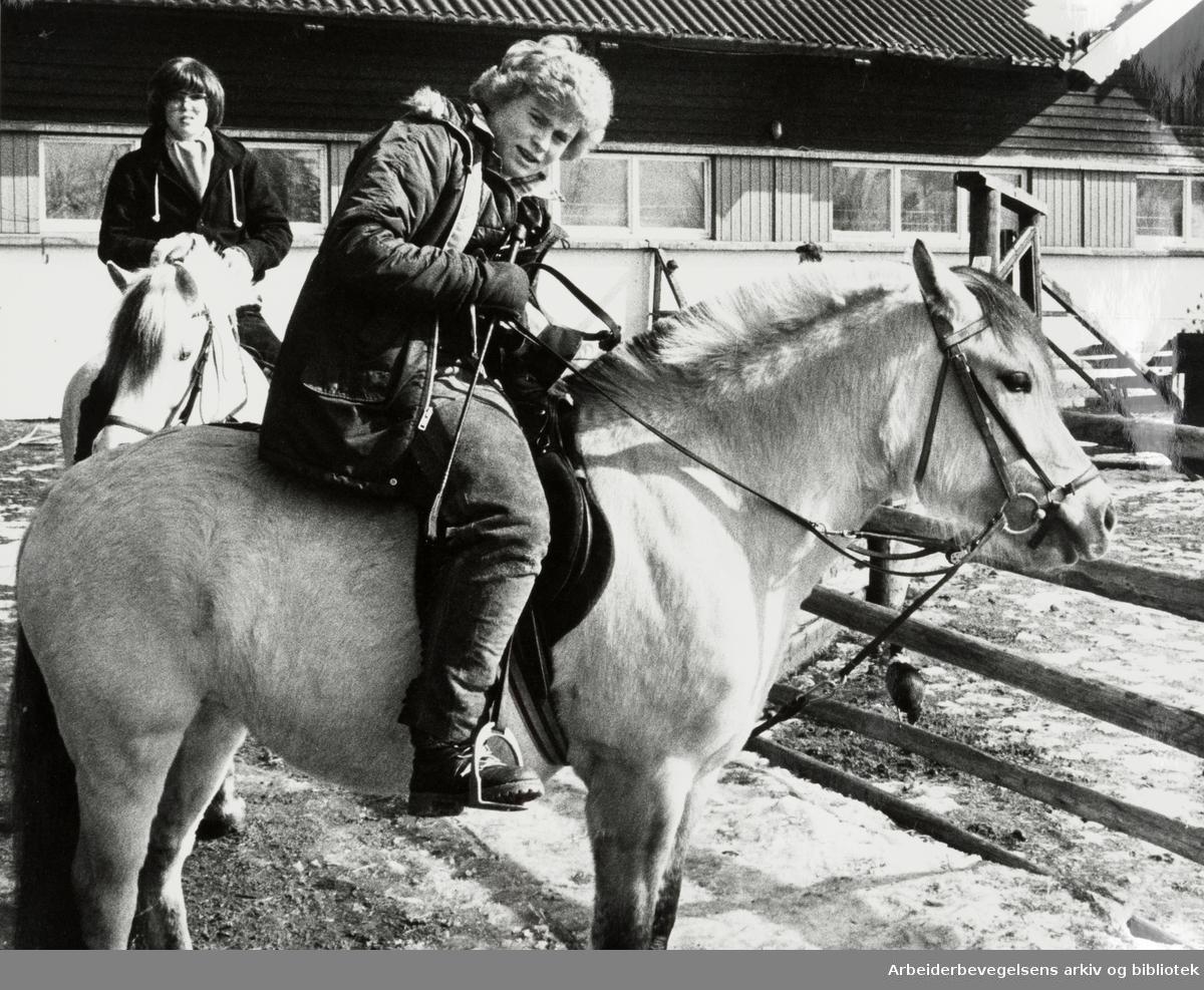Ekeberg. Thorsons rideskole. April 1980