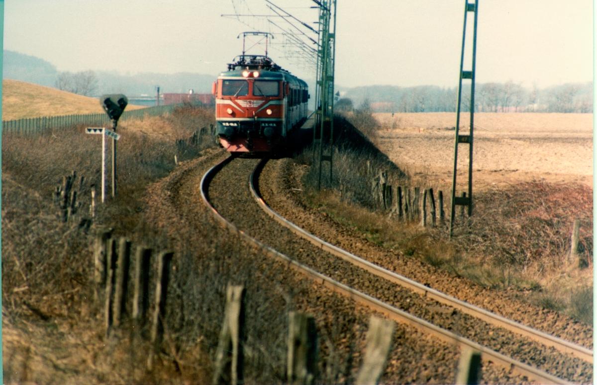 På linjen mellan Halmstad N och Falkenberg Statens Järnvägar, SJ Rc4 1141