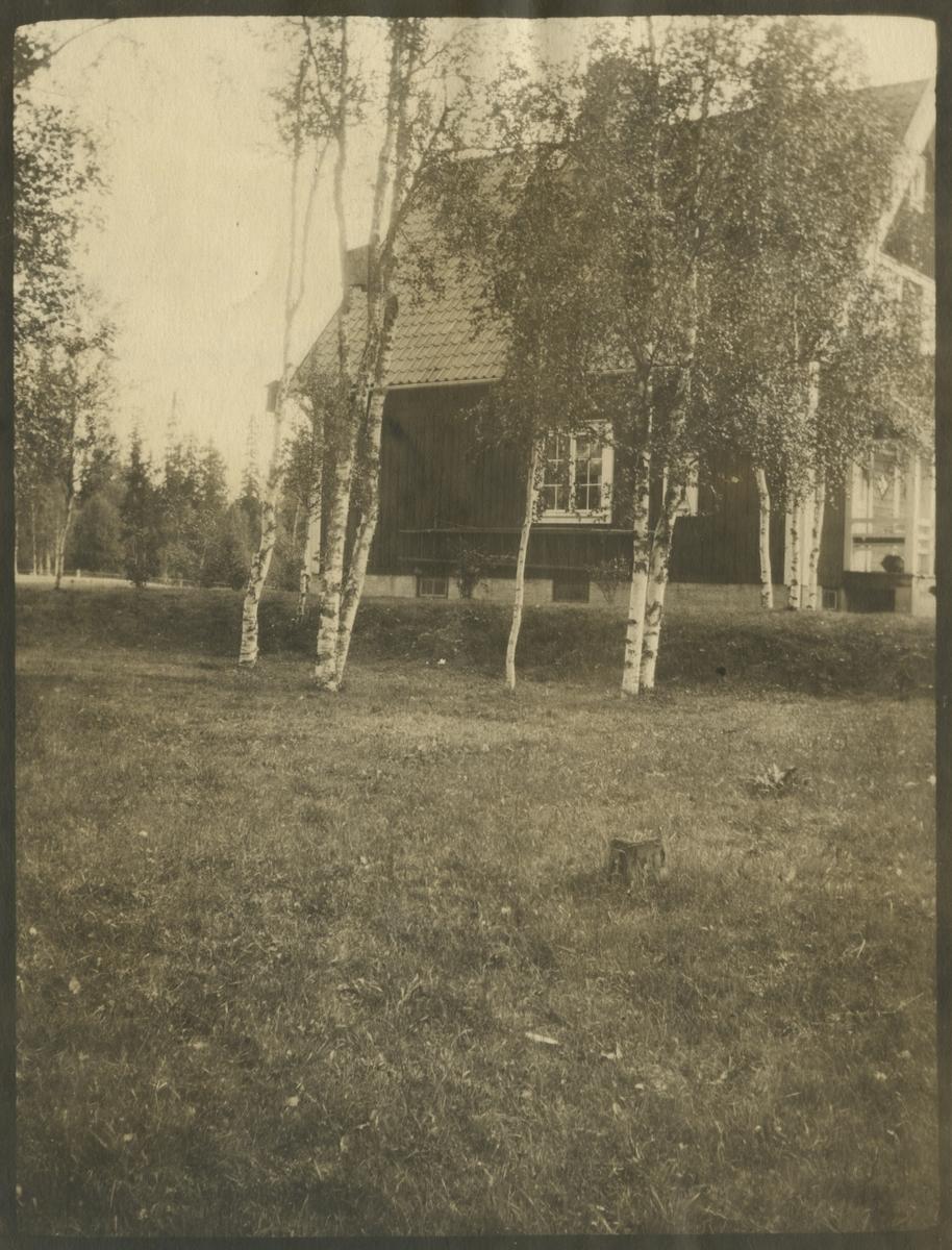 Banmästarbostaden i Löfberga, längs Indalsbanan norr om Ulriksfors.