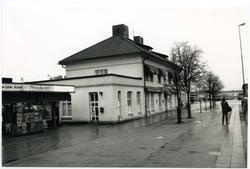 Tumba station.