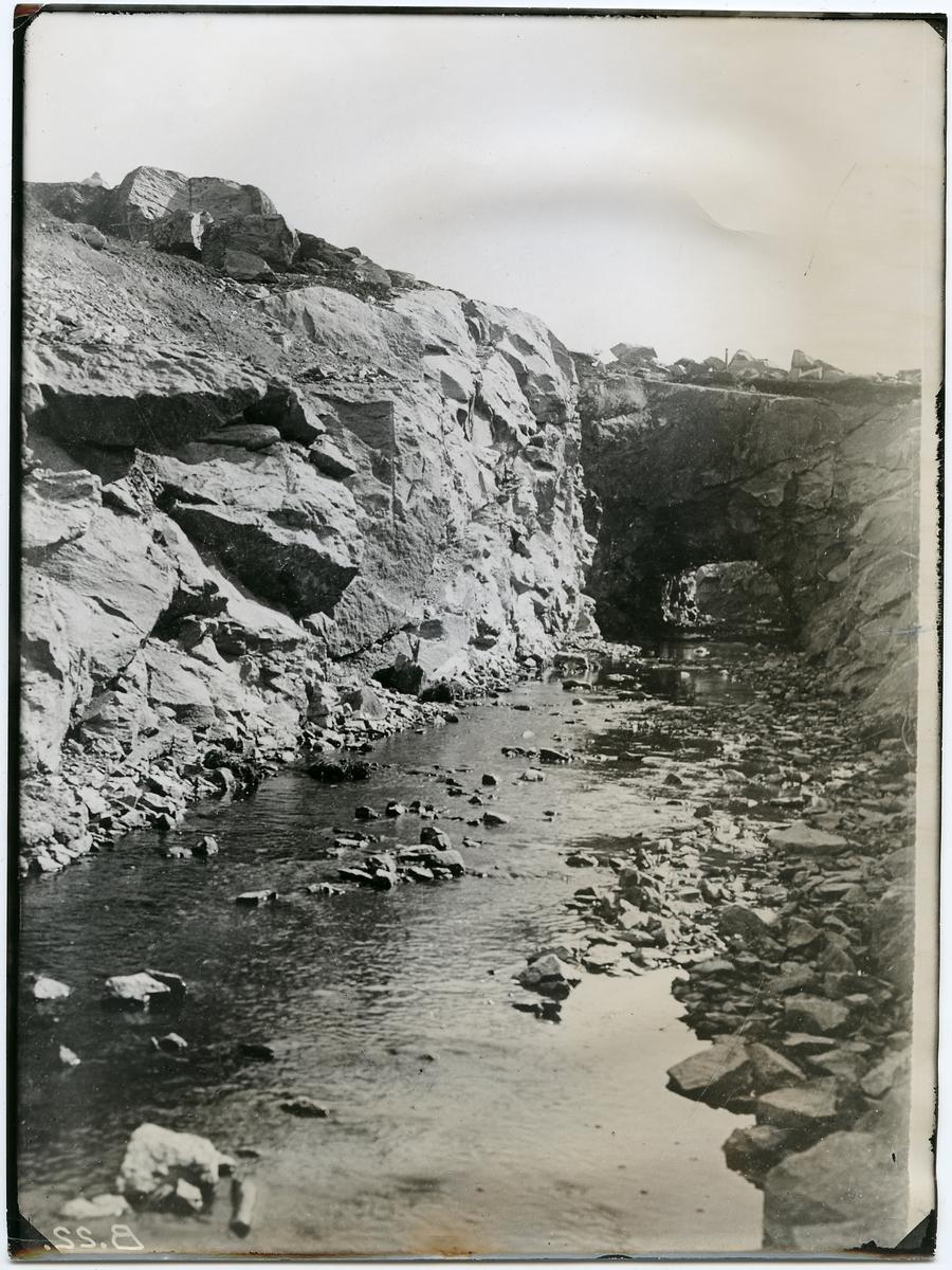 Vattentunnel vid Hammar i Stenungsunds trakten.