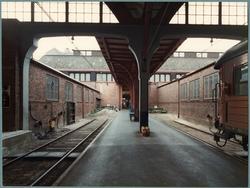 Malmö stationshus sedd från banhallen.