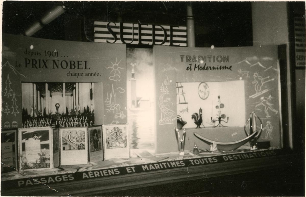 Skyltfönster i Paris visande utställning om Nobelpriset i litteratur. 1957 erhöll Albert Camus detta pris.