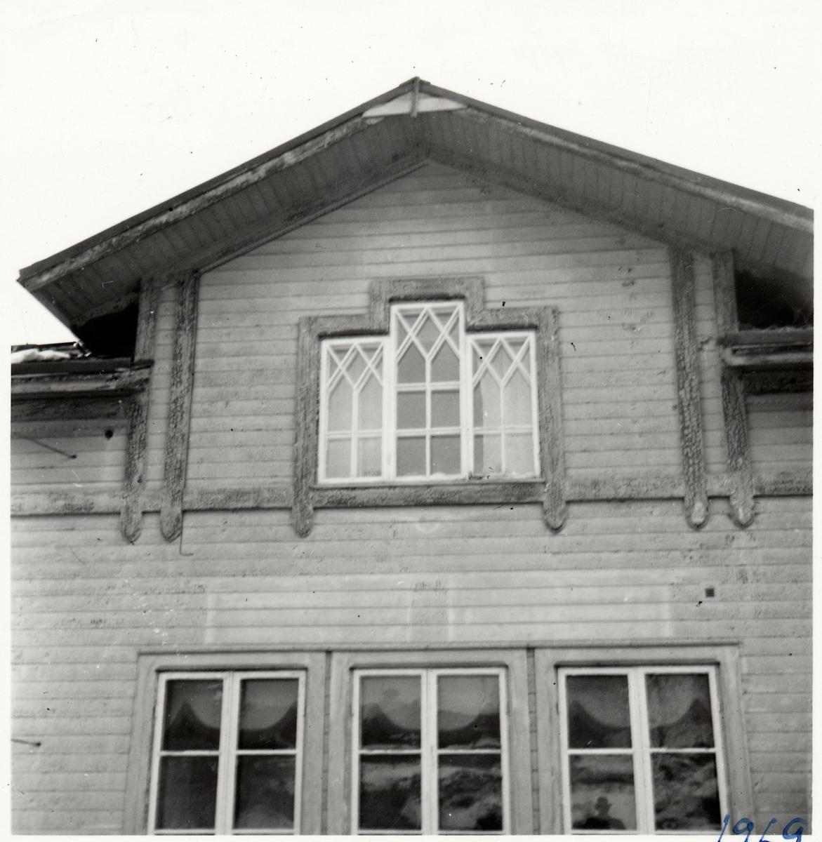 Byggnadsdetaljer på stationshuset.