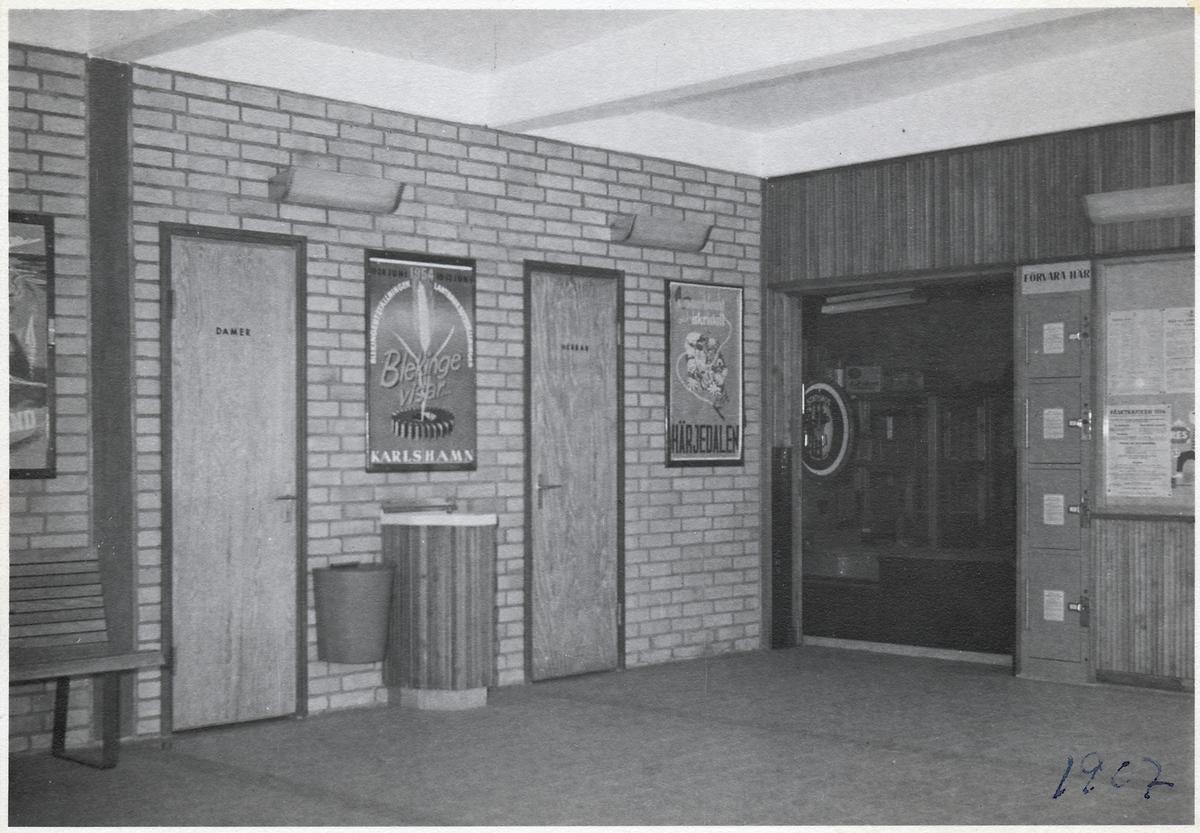 Väntsalen på Svängsta station.