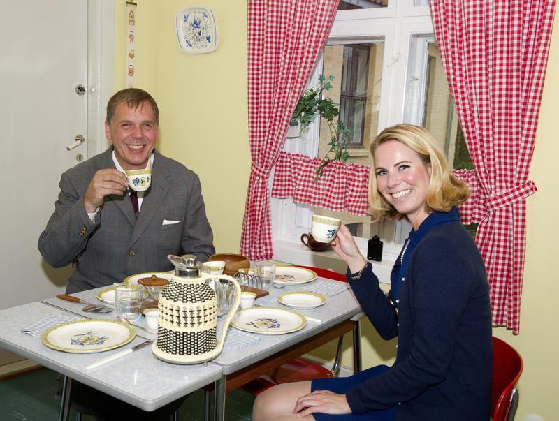 Arne og Solveig Dahl ved frokostbordet på kjøkkenet.