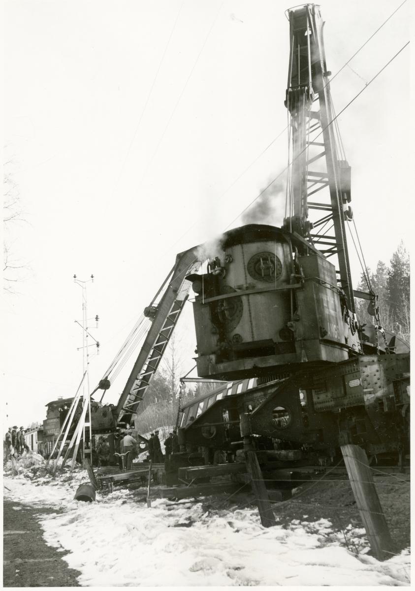 Tåg 93, Nordpilen, efter urspårning på sträckan mellan Simeå och Undersvik 1956-03-27.