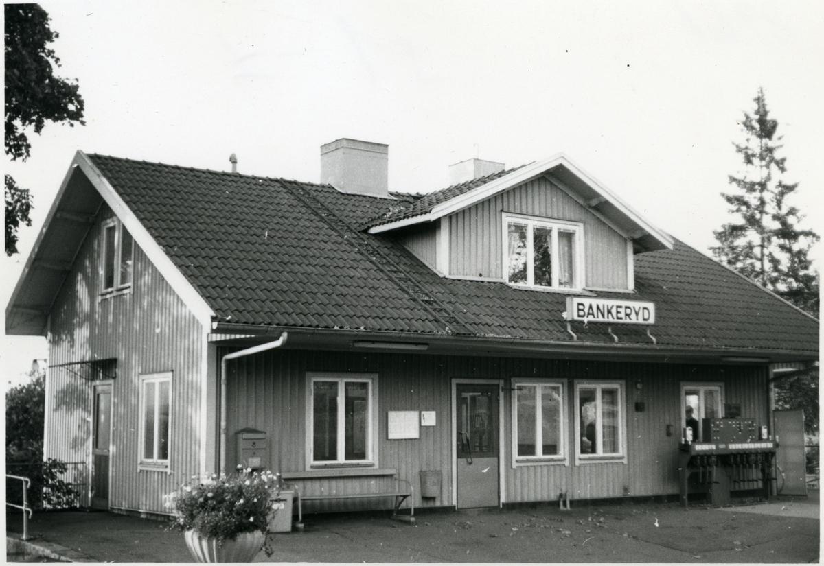 Stationen anlades 1879.