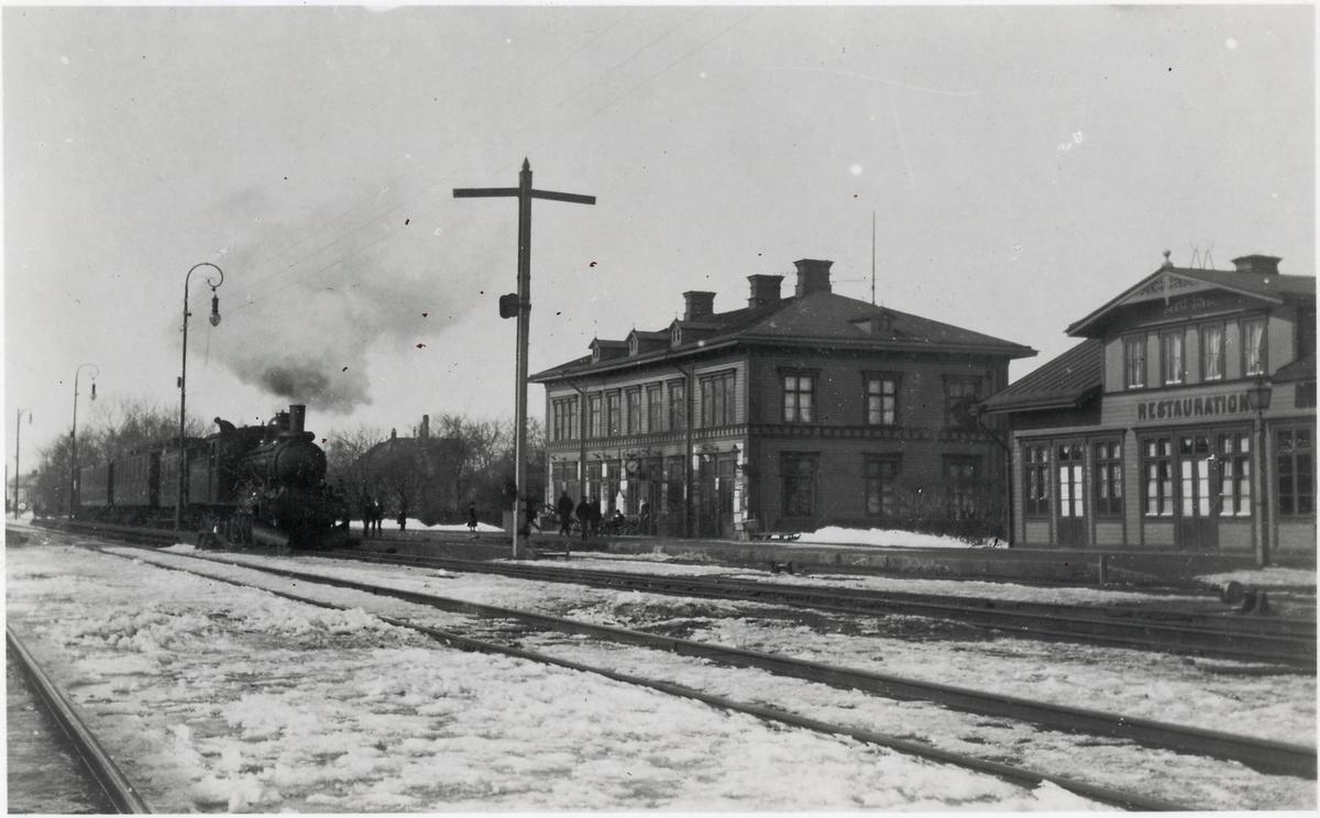Ånglok vid Köpings station.
