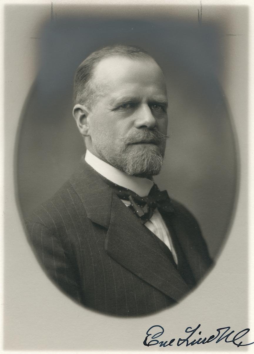EM. Lindhe som var verkställande direktör 1909-1934, Trafikchef 1900-1935