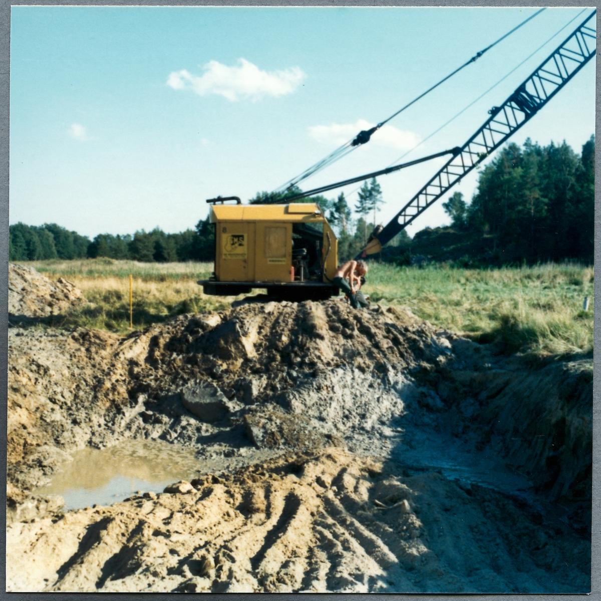 Urgrävningar efter linjen mellan Hargshamn och Hallstavik.