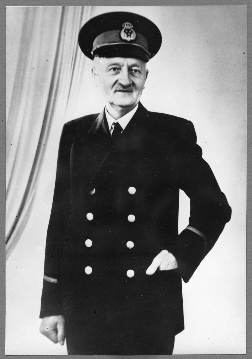 Karl Johan Johansson, Stationsföreståndare.