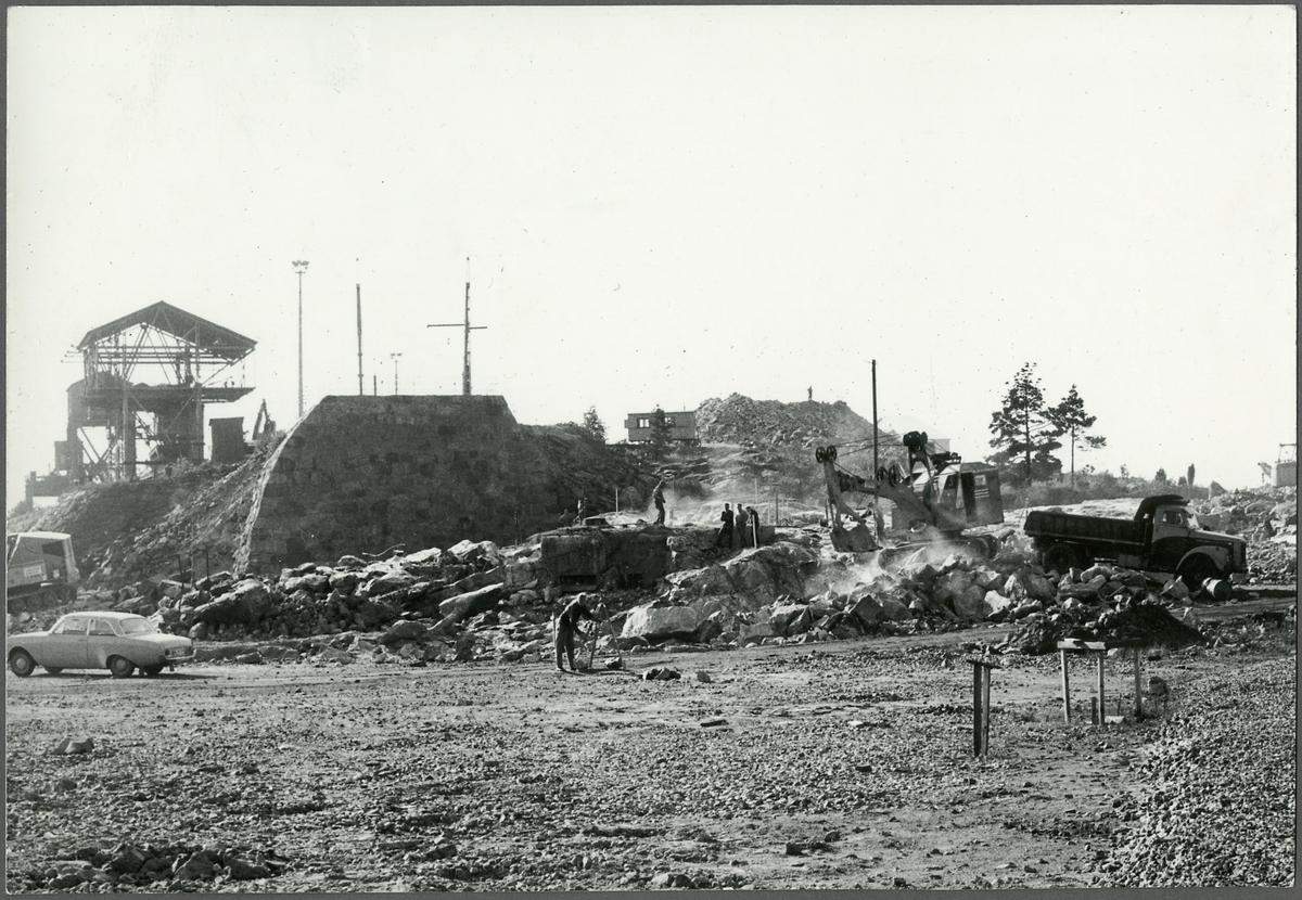 Byggarbete vid Oxelösunds hamn.