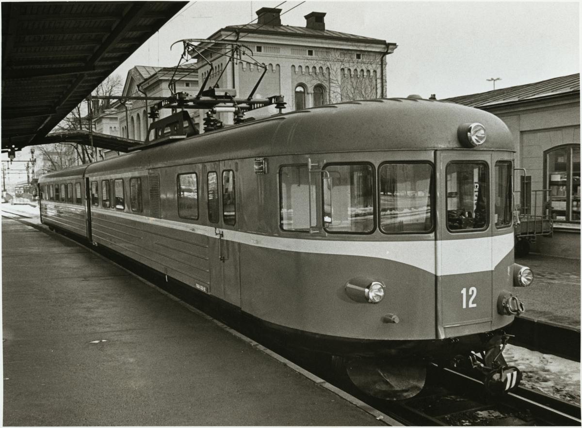 Trafikaktiebolaget Grängesberg - Oxelösunds Järnväg, TGOJ X22 12, vid Örebro centralstation.