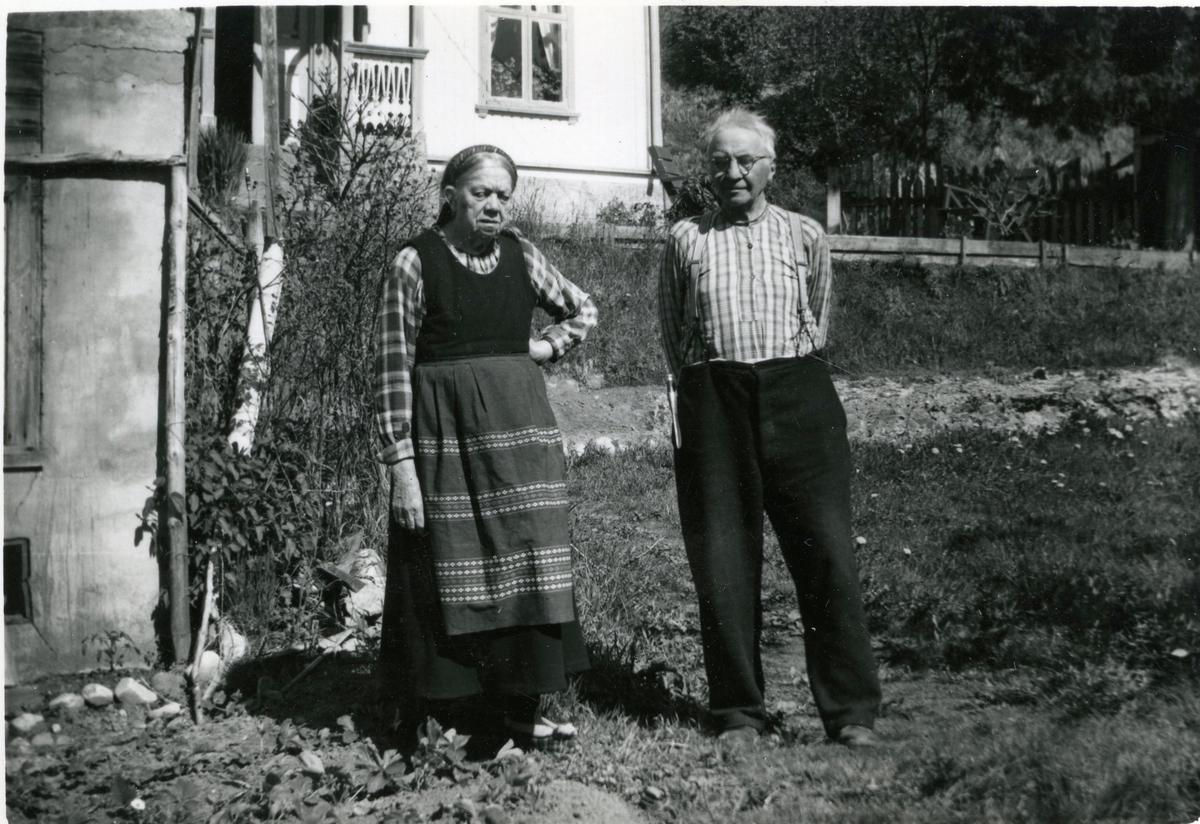 Foto av parfolket Halvor T. Hørte og Anne Johnsdatter Storkås Hørte