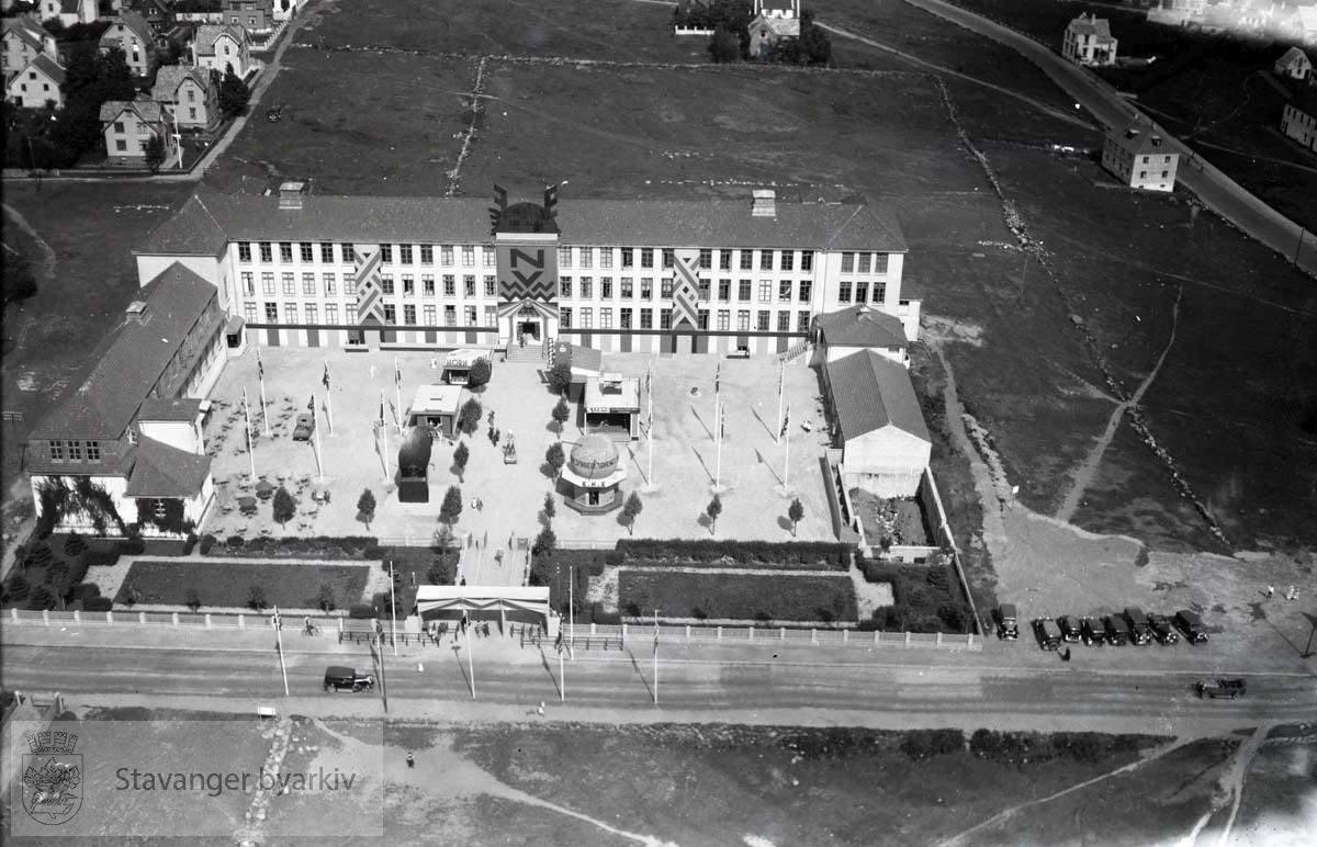Fra Norges Varemesse sommeren 1933..Gateløp: Seehusens gate, Kampensgata, Kampens Plass, Tanke Svilands gate. Senere Olaf Paulus gate.