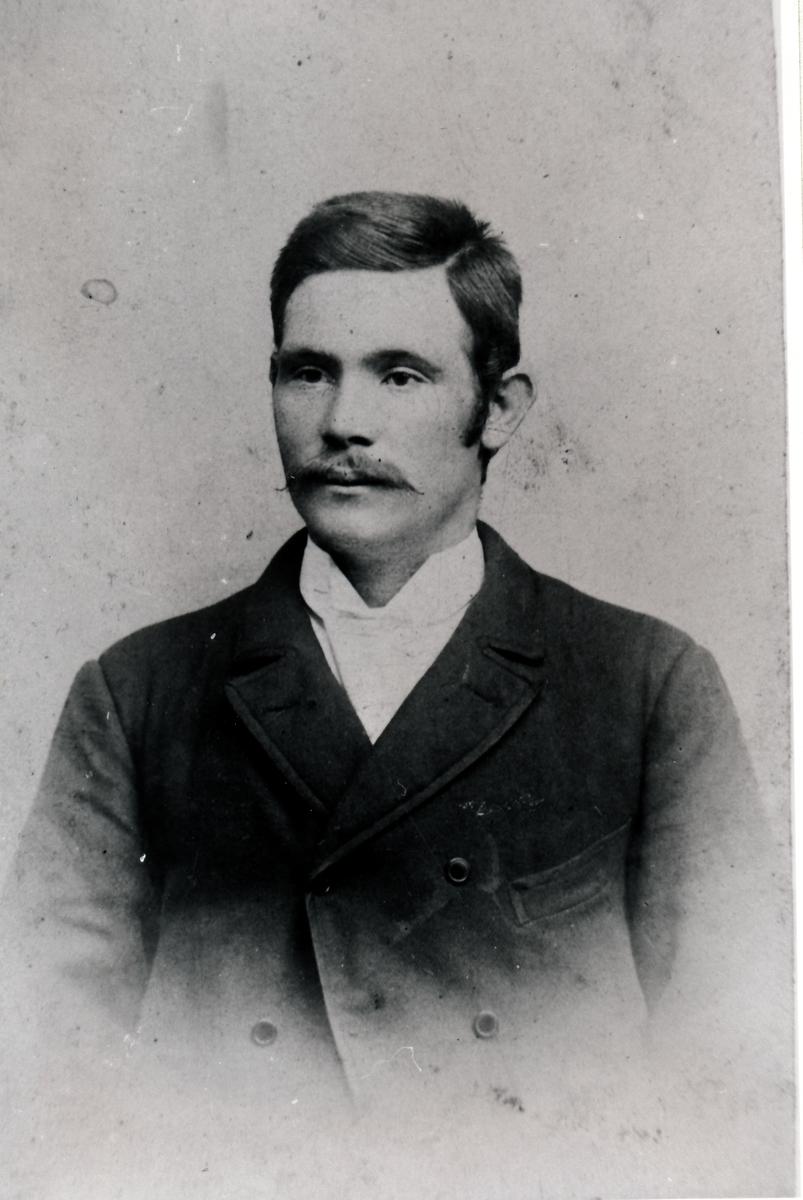 Portrett av Konrad Isaksen, Gammelseter ,Tranøy