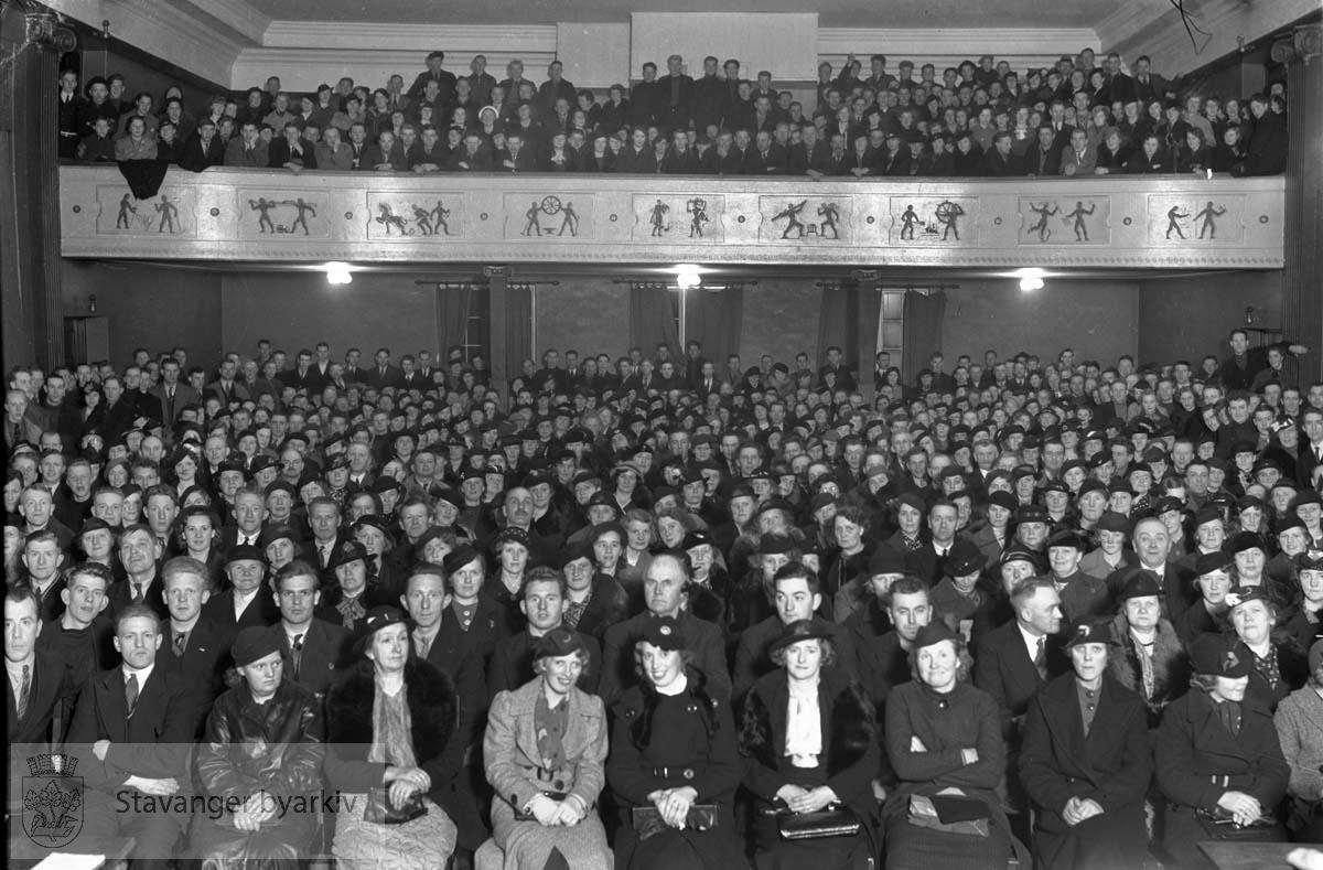Forsamling i Folkets Hus
