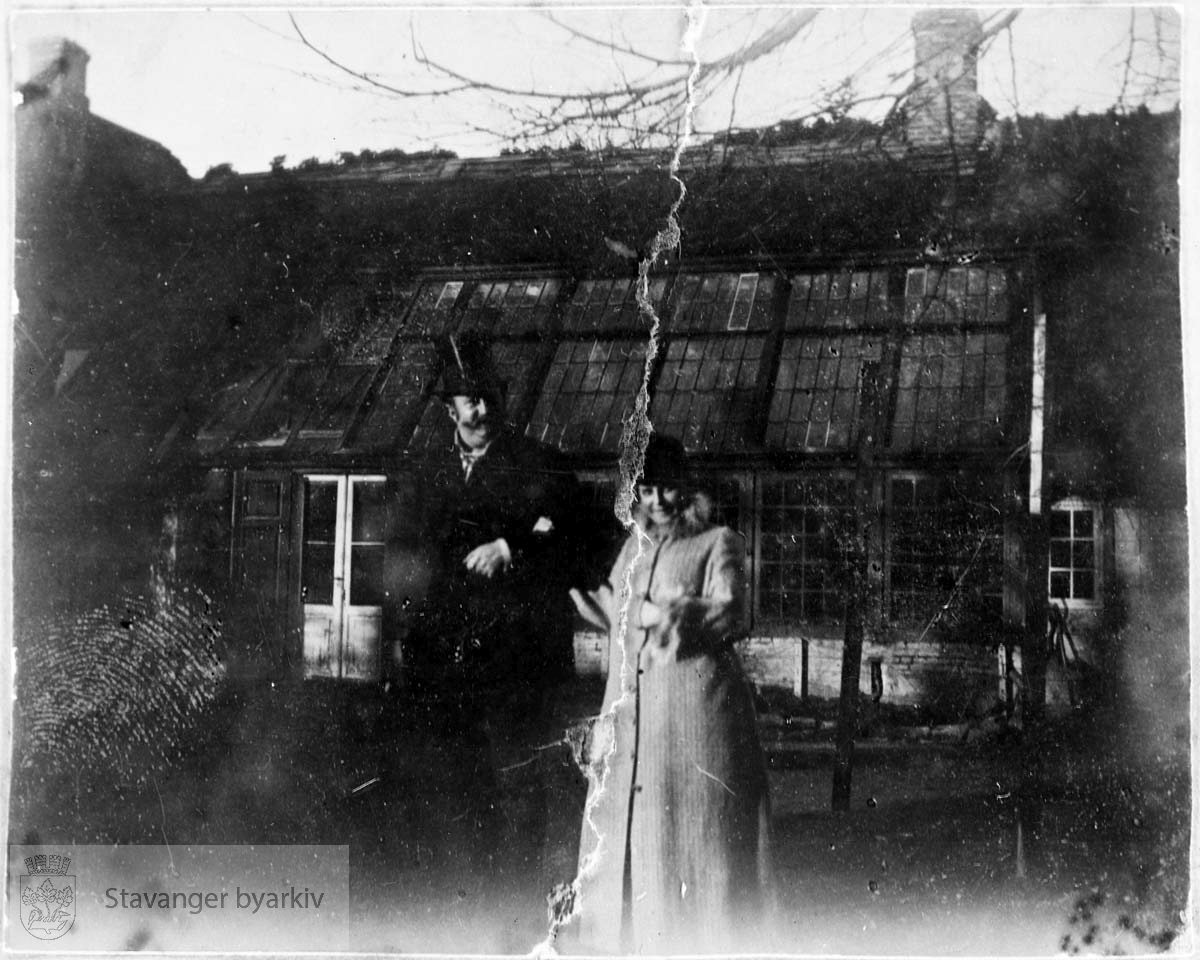 Alexander Kielland på Ramsland med en kvinne