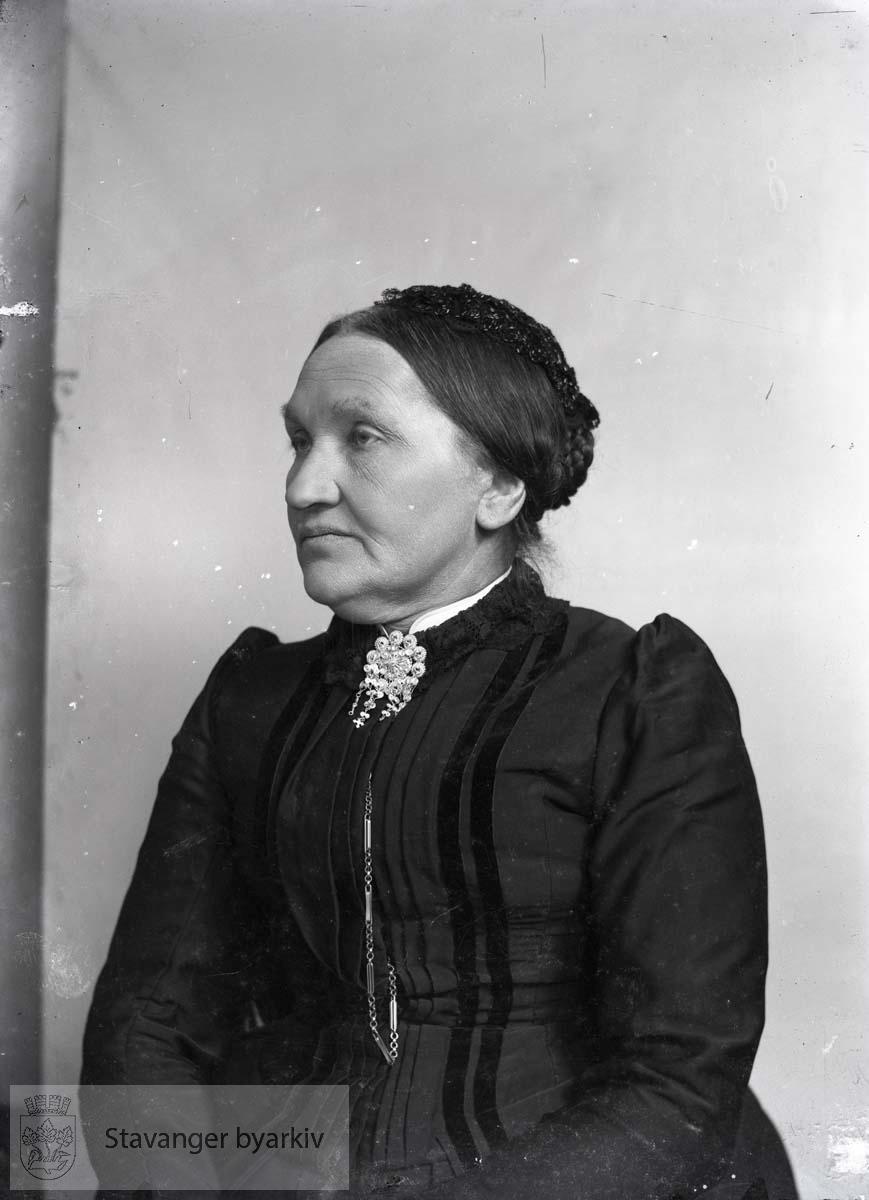 Laura Eckhoff født 16.06.1832 d. 06.09.1916.