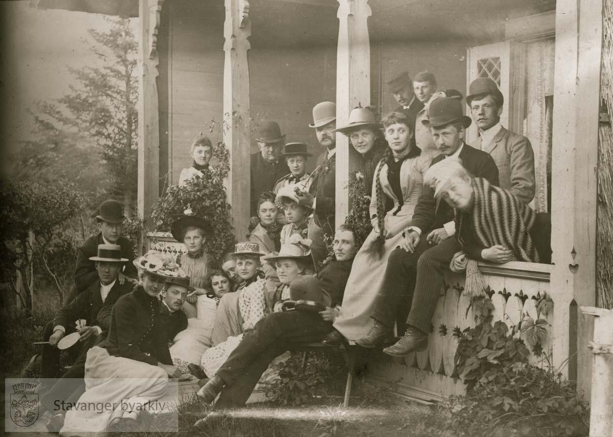 Gruppebilde på Næsheim sommeren 1890
