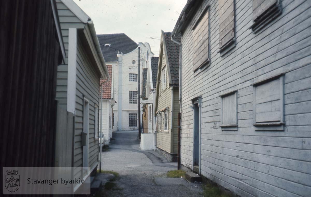 Smau i Strømsteinen.Østre bydel ved Badedammen / Verven