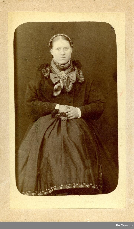 Portrettfoto av Bergit H. Torstveit