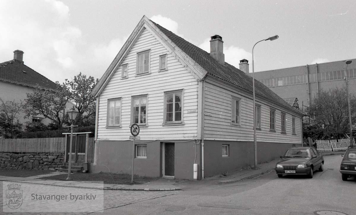 Fasade mot øst og nord ..Gamle Stavanger