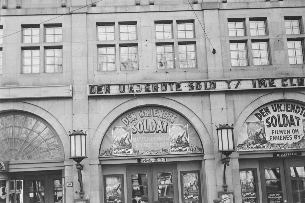 "Fasaden på Casino i Oslo: ""Den ukjendte soldat"""