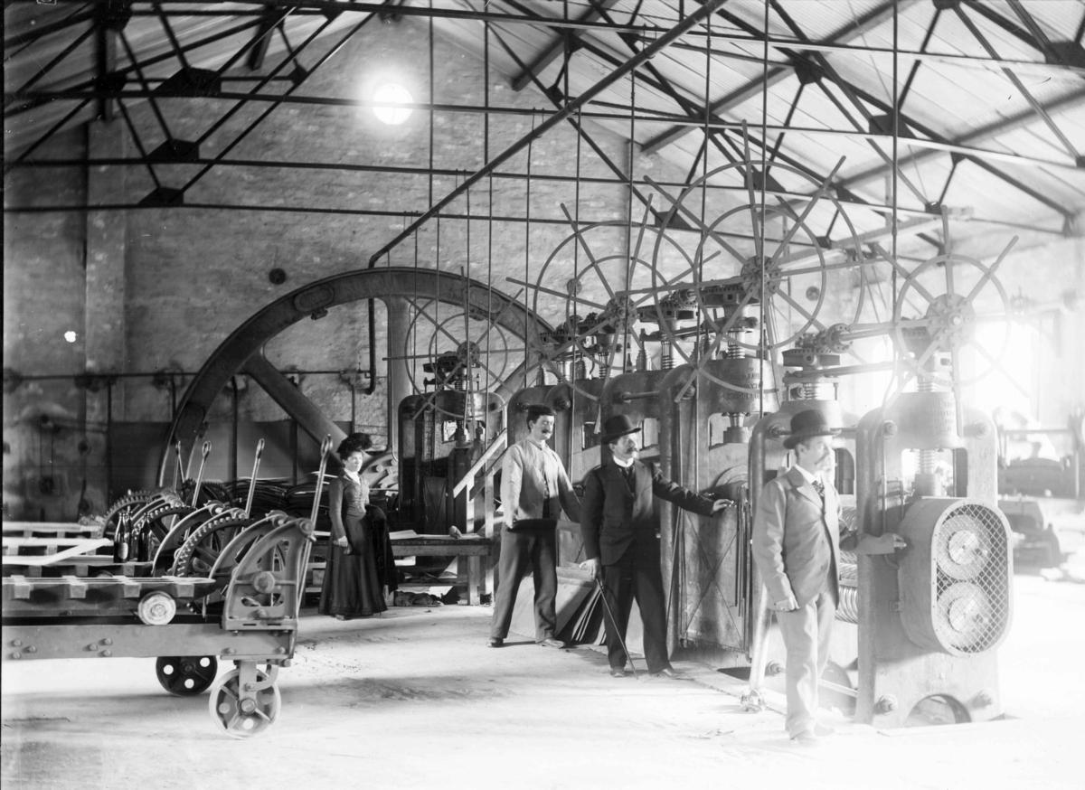 Produksjonshallen på Det norske Metalvalseverk, senere Knappefabrikken